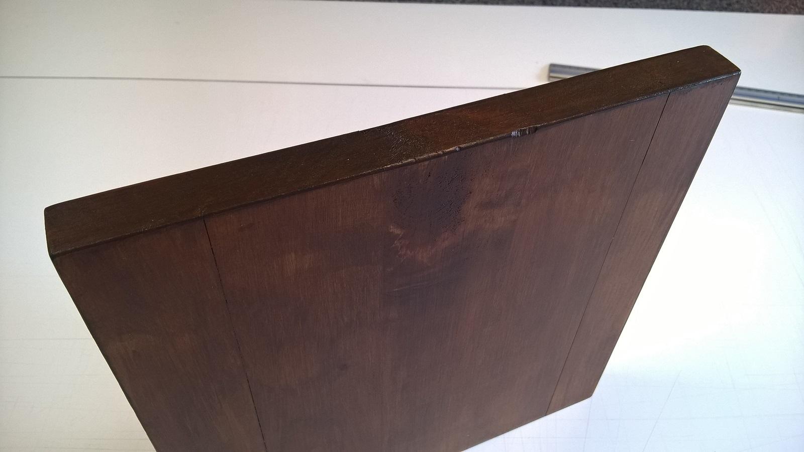 Malowanie na najwyższym poziomie - uzyskano wodoodporność drewna stosując najwyższej klasy lakierobejcę żelową BONDEX Premium Wood Design w kolorze LAPACHO AZTEKÓW (kliknij powyższe zdjęcie - otworzy się strona z wzornikiem kolorów)