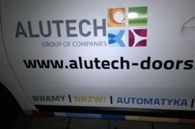 Grafika ploterowa i wydruk solventowy logo